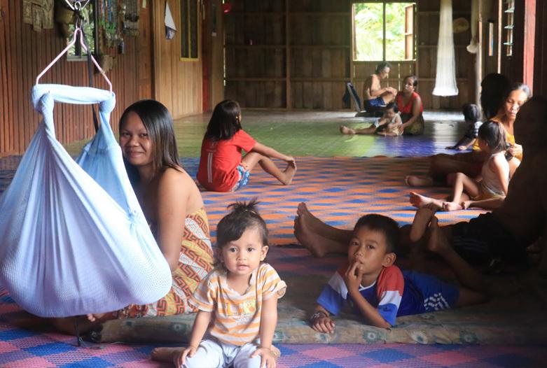Malasia Viajes | Borneo, Familia Iban