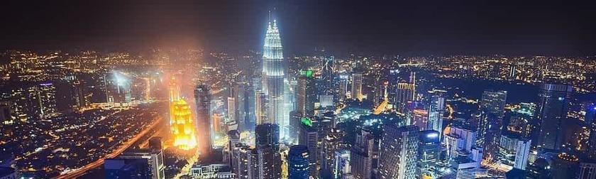 Kuala Lumpur Noche Skyline
