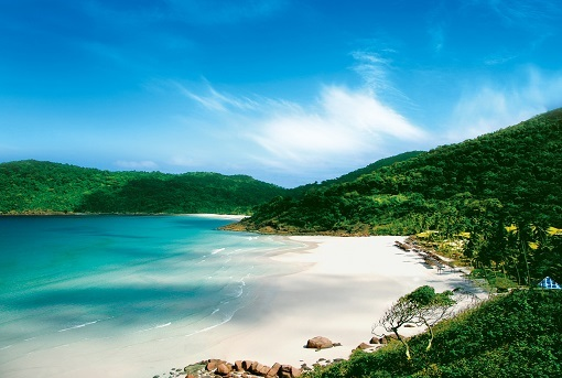 2. Taaras Beach (Blog).jpg